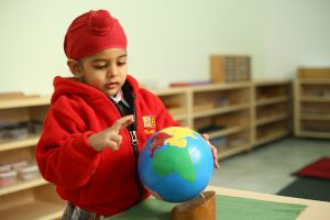 Children-playing-montessori